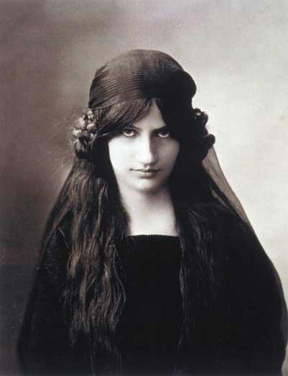 Amedeo Modigliani's muse, Jeanne Hebuterne.
