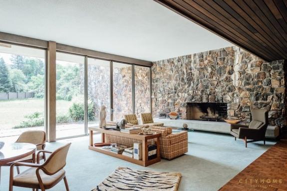 Luxury Real Estate: A Beautifully Preserved Mid-Century Home by William Pereira & A Historic Rhode Island Retreat
