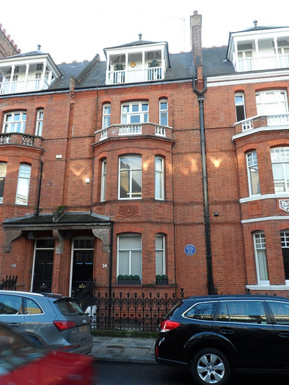 34 Tite St., London, where Oscar Wilde lived from 1884 to 1895.