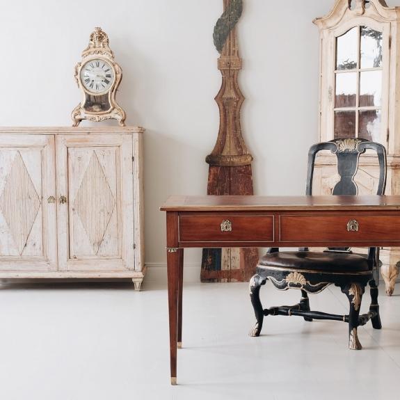 Furniture from D. Larsson Interiör & Antikhandel.