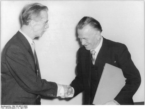 Otto Dix (right).